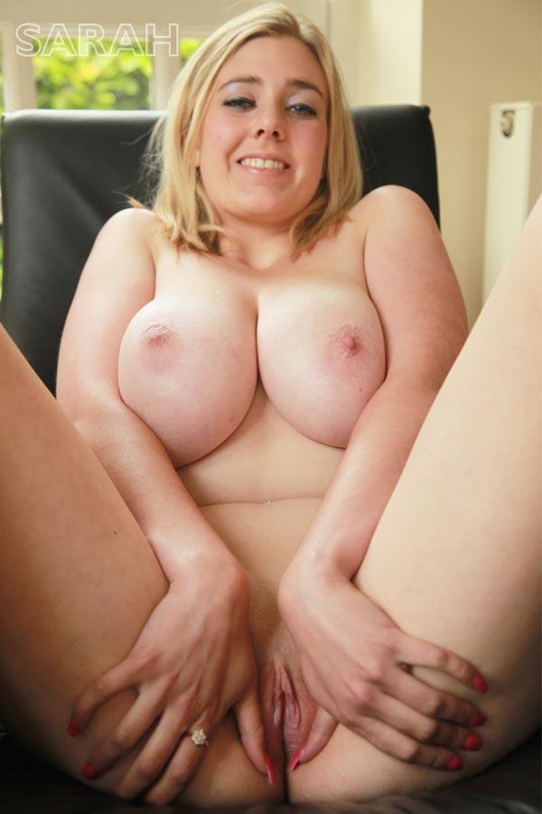 http://www.nunude.co.uk/wp-content/uploads/2015/11/Sarah_Ind_11.jpg
